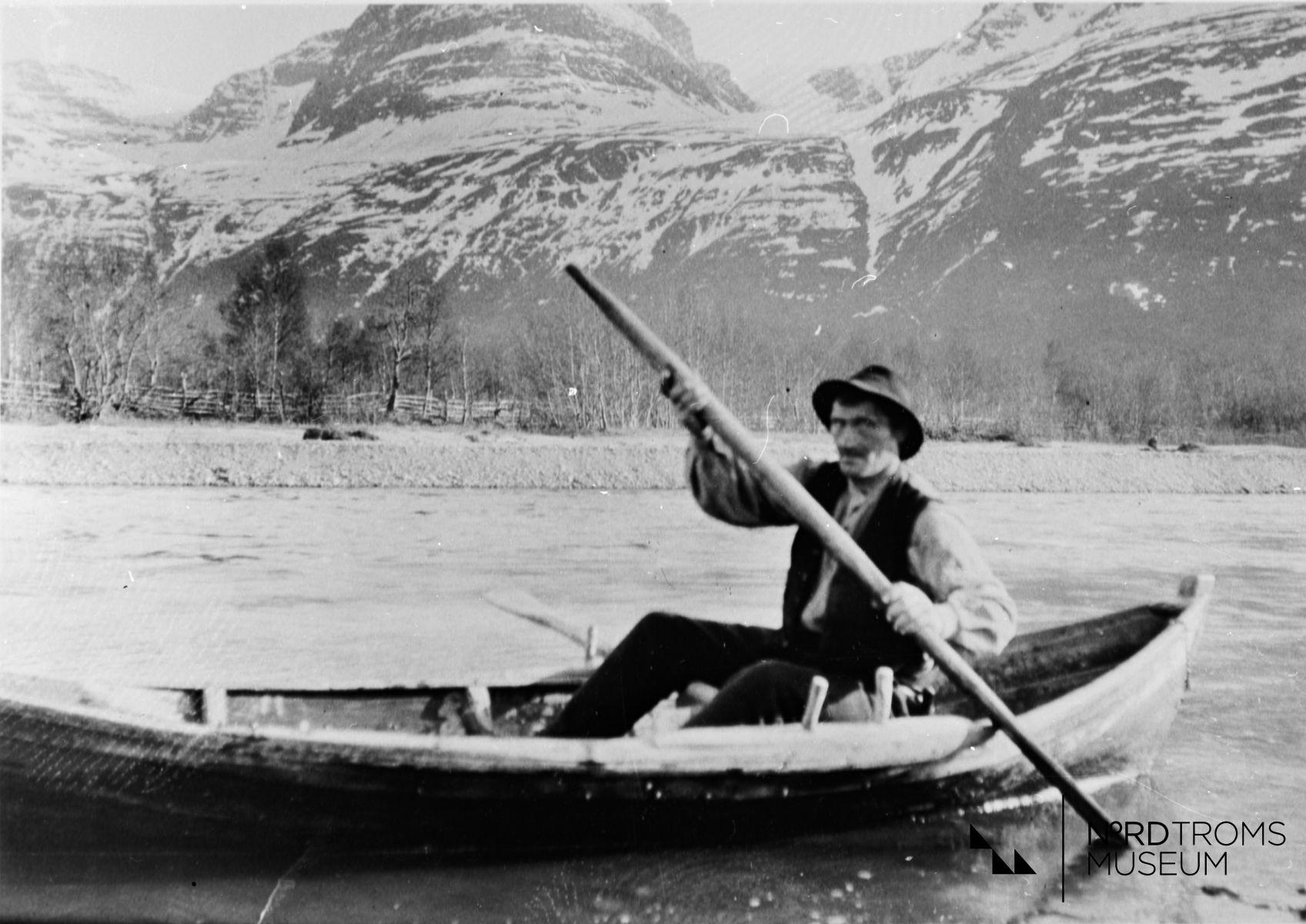 Jakob Karlsen Pækki, Skibotn, i båten