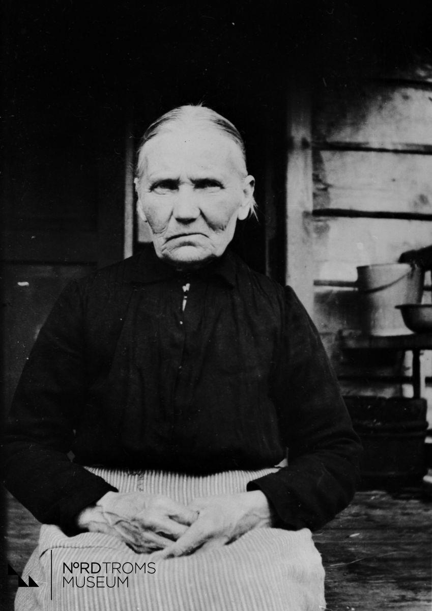 Anna Johanna Molanen. Gift med Jakob Moilanen, de hadde 7 barn. Emæntæ. (Husmor).
