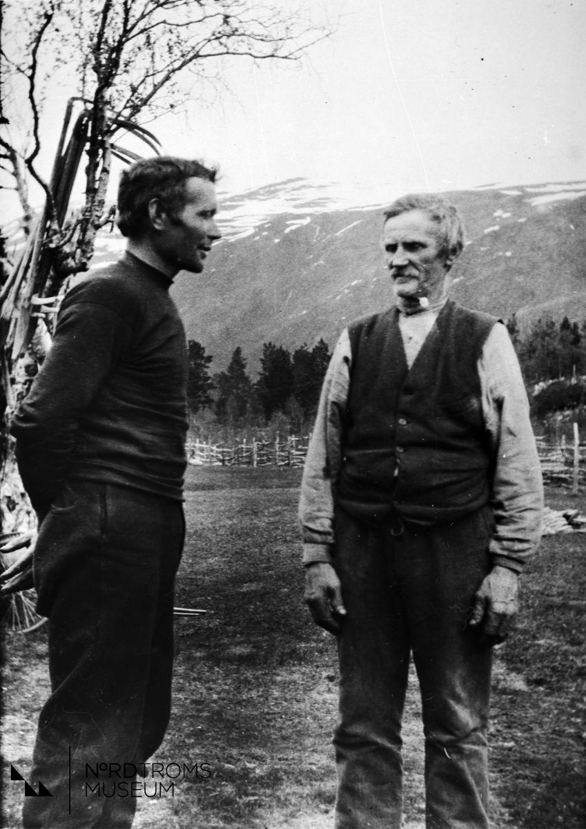 Fra venstre Henrik Jakobsen,  Anders Karlsen. Kauppi-Hallen, Nordreisa